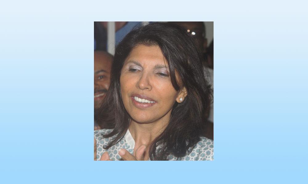 Nassimah jetée en pâture