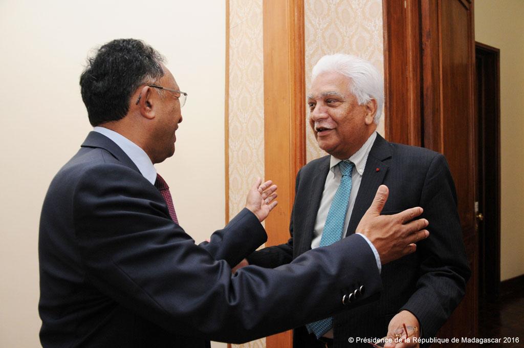 Jean Claude de l'Estrac, le Secrétaire général de la COI en visite à Madagascar