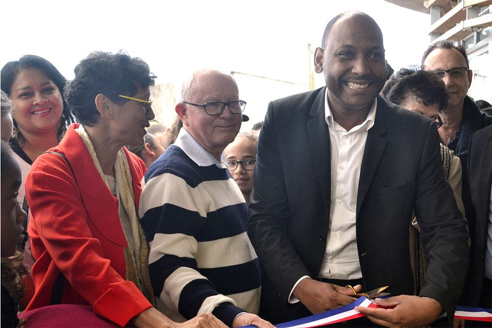 Inauguration de la médiathèque de la Chaloupe : « Saint-Leu possède désormais sa première grande maison de la Culture »