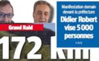 Didier la Sardine en tête de la manif demain devant la préfecture !.. On arrête pas le progrès, après la voiture, le bureau, on vient d'inventer la banderolle climatisée !