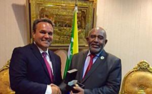 Rencontre entre le Président de l'Union des Comores, Azali Assoumani et le Président de la Région, Didier Robert, à Moroni
