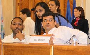 """JJ Vlody : """"La seule candidate duPS, c'est Nassimah Dindar"""""""